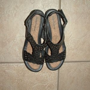 HUSH PUPPIES Black Leather sz 10 Sandals